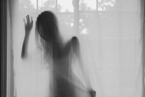 female-ghost-window-favim-com-165312
